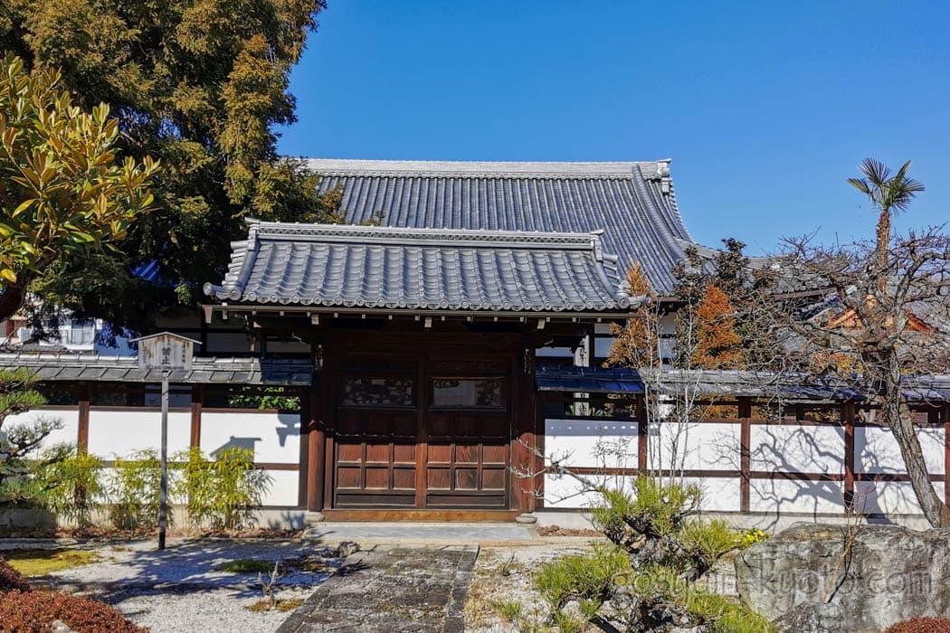 京都市の天寧寺の本堂