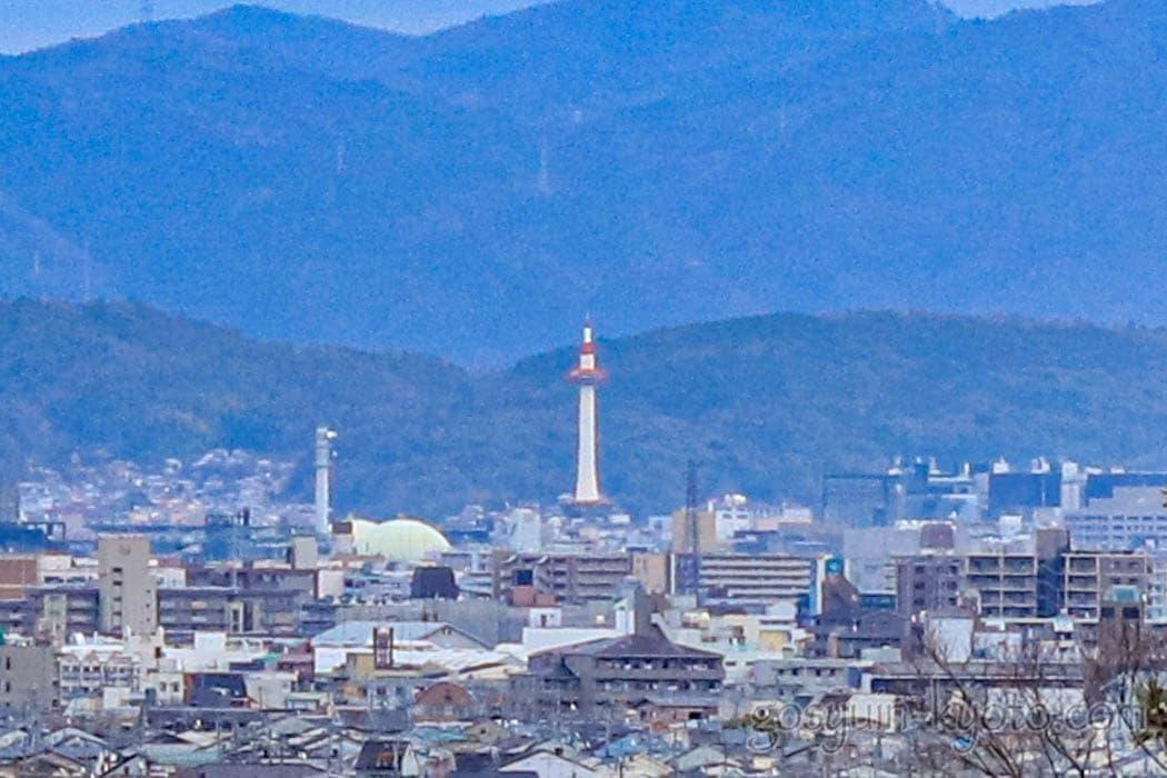京都市嵐山の法輪寺の舞台