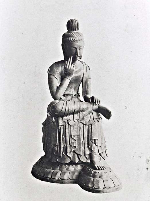 広隆寺の弥勒菩薩像