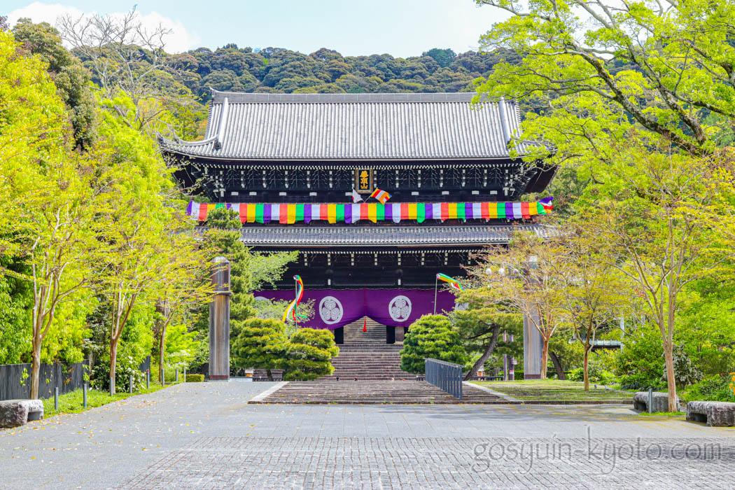京都市東山区の知恩院の三門
