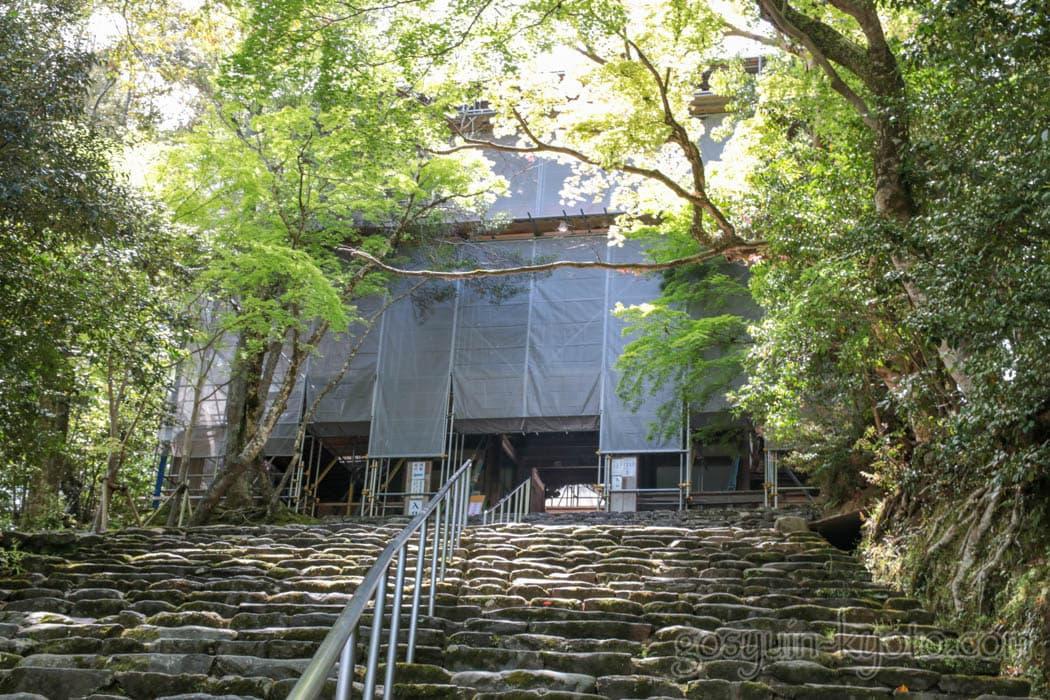 神護寺の楼門