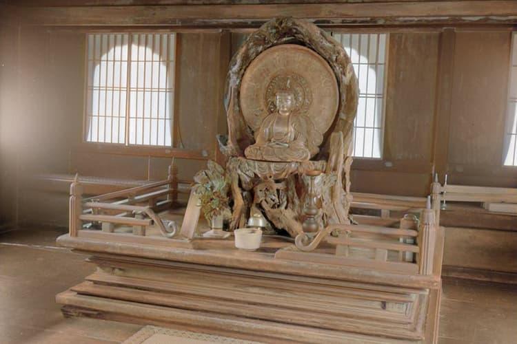 京都市左京区の銀閣寺の内部