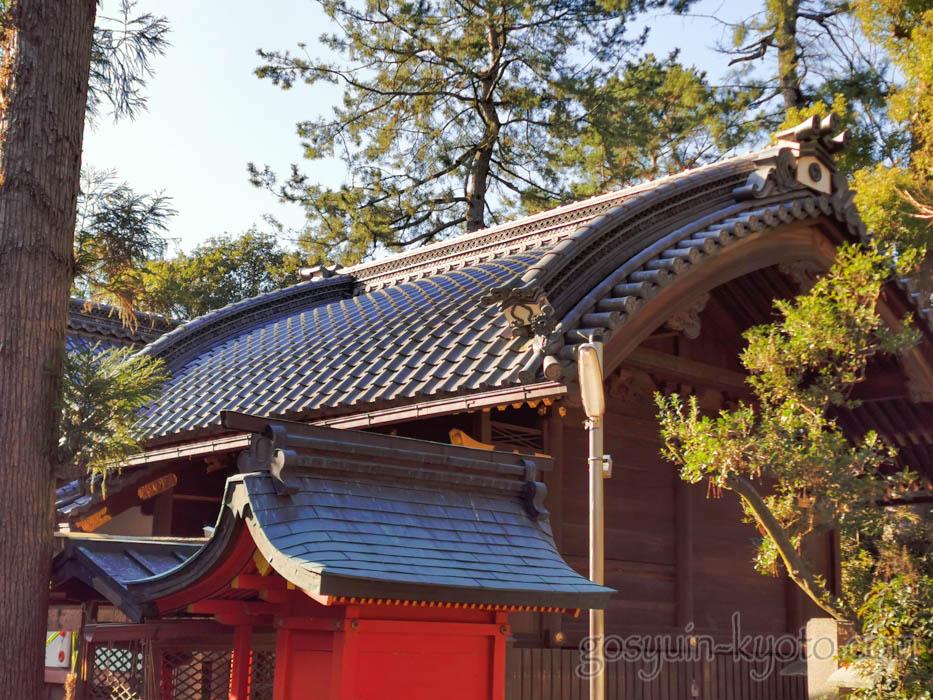 京都御苑内にある白雲神社の本殿